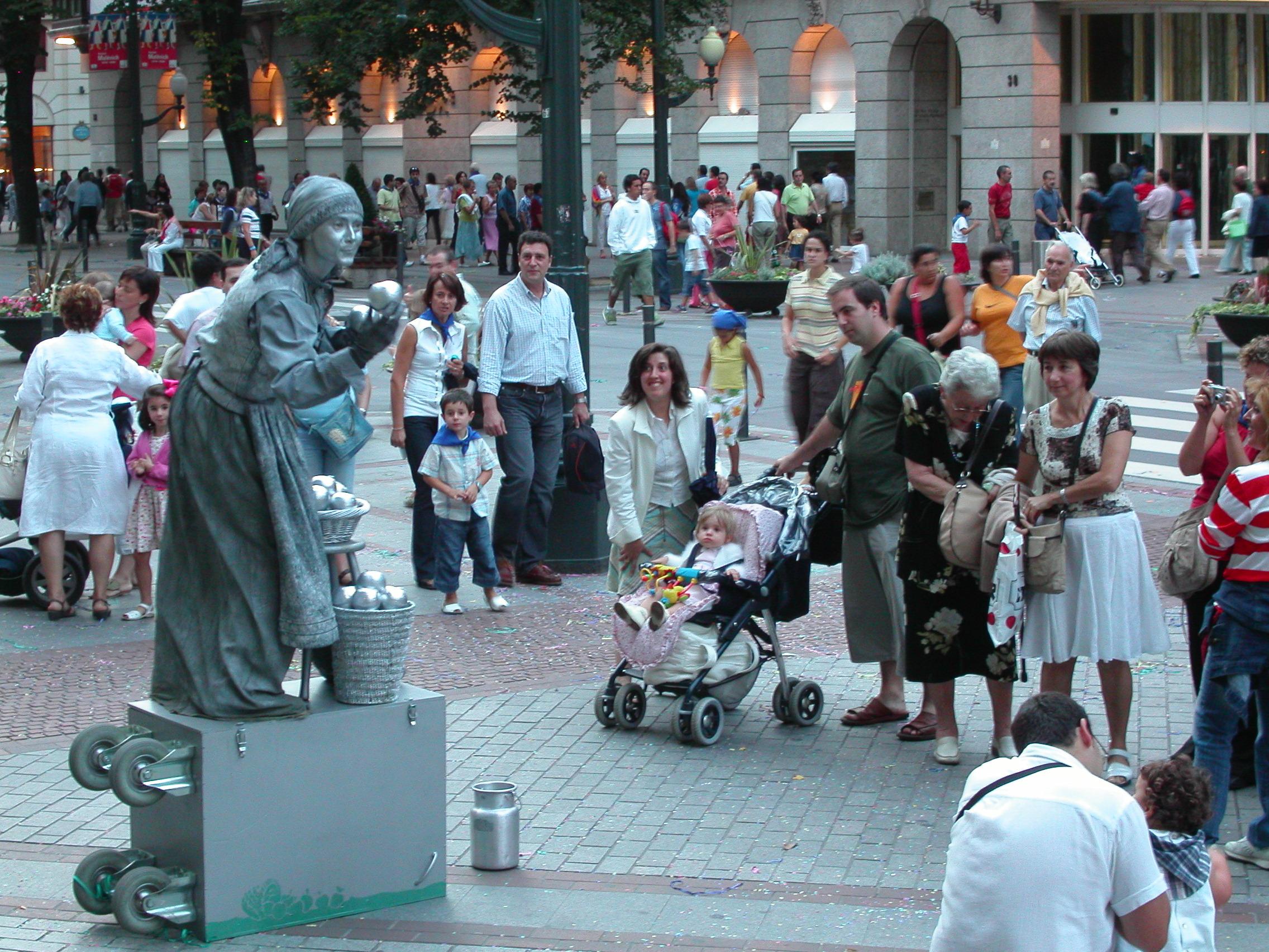 Interessierte Zuschauer in Bilbao